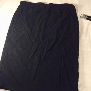 Soho Apparel black pattern midi skirt